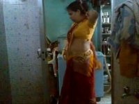 Milli bhabhi's bath part-1